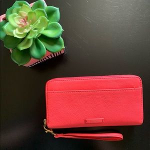 Bright pink leather Fossil wallet